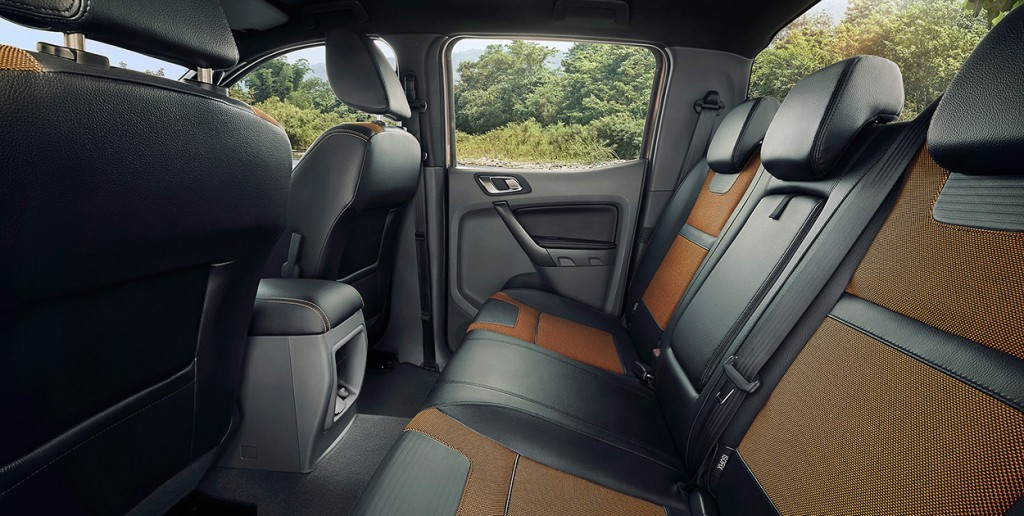xe Ford Ranger 2.2 4x4MT mới3