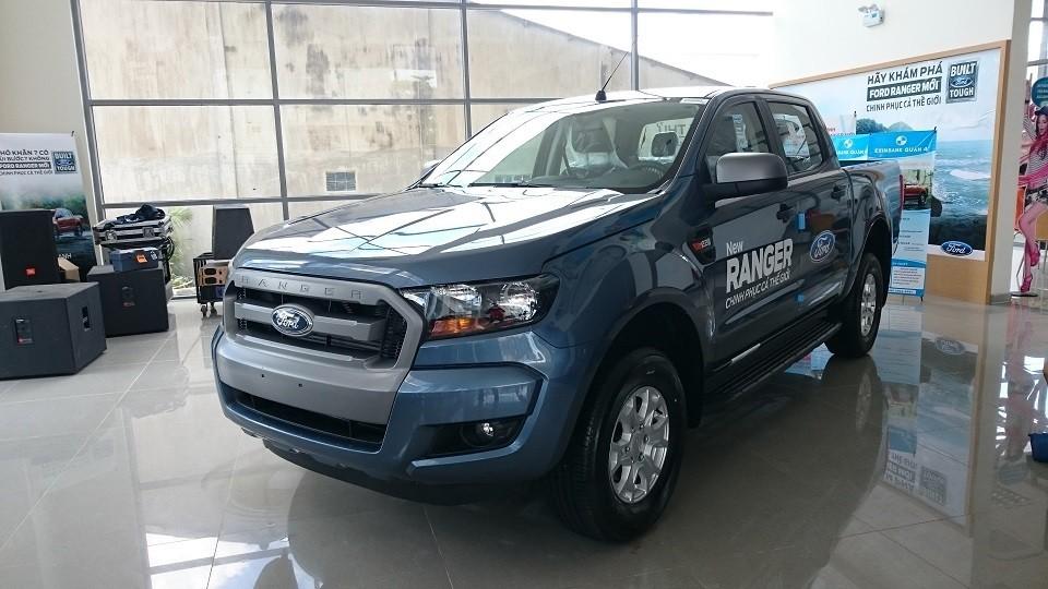 Phiên bản xe Ford Ranger XLS 4x2 AT