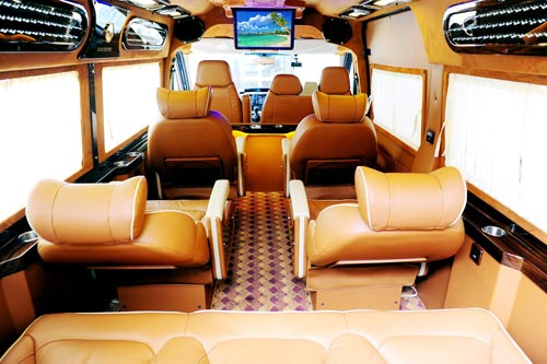 XE FORD TRANSIT LIMOUSINE – 10 CHỖ MỚI