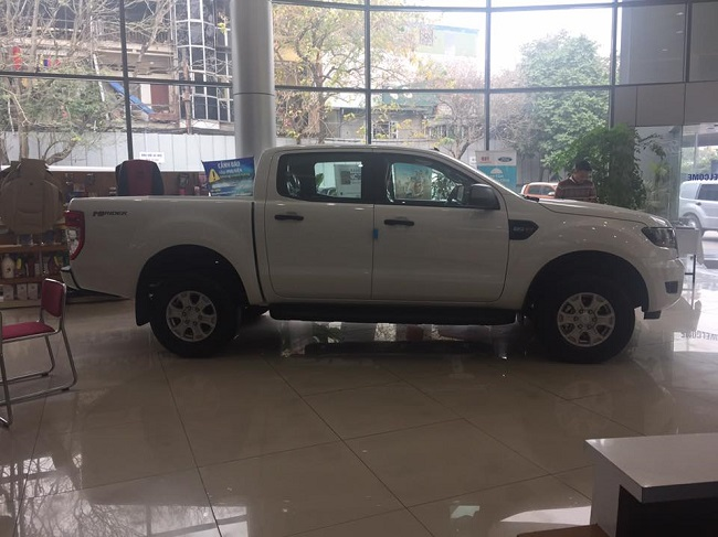 xe-ford-ranger-xls-at-mau-trang-9
