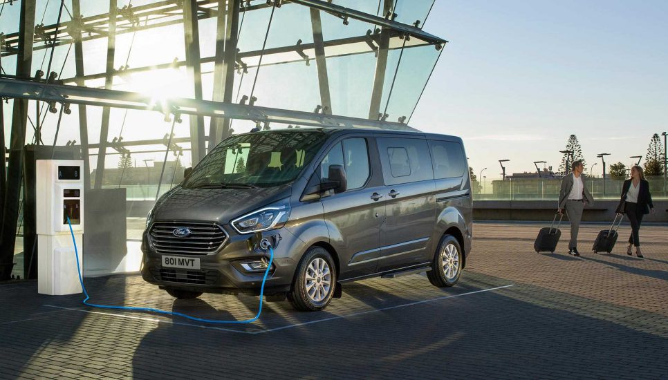 ford-tourneo-2019-6-966x550