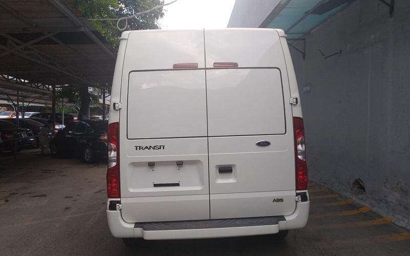 ford-transit-cai-tao-ha-tai-thanh-xe-van-cho-hang-6