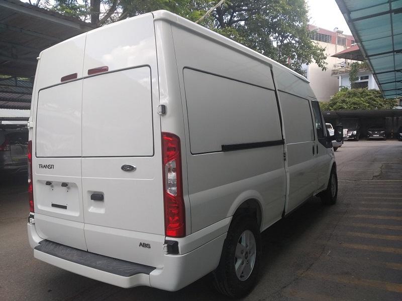 ford-transit-cai-tao-ha-tai-thanh-xe-van-cho-hang-8